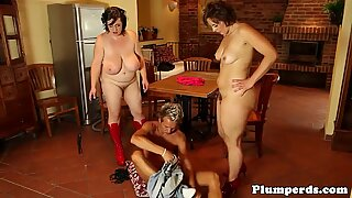 Mature female dominance plumpers trio with male victim