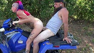 Chassidy Lynn - 4k, offentlighheden sex, GROft sex mens ridning i skoven, Big Sæd Shot