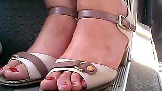 candid moldavian mature feet. in bus closeup 29.06.2017 HD