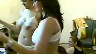 2 Girls dancing Shaking.