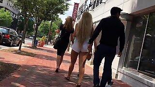 Bílá holka s velkým zadkem upřímný blondýny dospívající bílá léto šortky bohyně