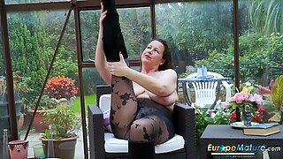 Europemature Hot Golym Бюст Соло Дама Възпроизвеждане сам