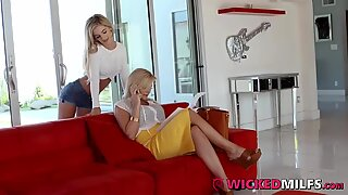 Big bumpers Hot Step Mom Shows Curious daughter How To fellate & Fuck