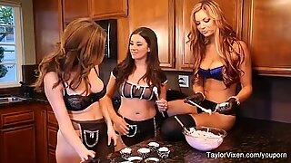 Meisje tijd om te bakken met Taylor Vixen