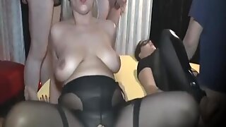 MATURE WIFE FOR CREAMPIES
